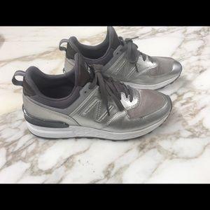 New Balance Metallic Silver 574 sz8